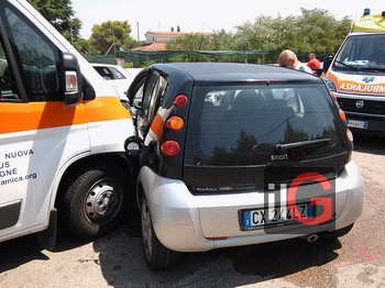 incidente ambulanza smart